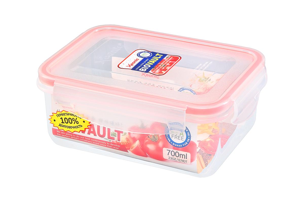 Контейнер пищевой Xeonic, прямоугольный, цвет: прозрачный, красный, 700 мл. 810079VT-1520(SR)Пластиковые герметичные контейнеры для хранения продуктов Xeonic произведены из высококачественных материалов, имеют 100% герметичность, термоустойчивы, могут быть использованы в микроволновой печи и в морозильной камере, устойчивы к воздействию масел и жиров, не впитывают запах. Удобны в использовании, долговечны, легко открываются и закрываются, не занимают много места, можно мыть в посудомоечной машине. Размеры контейнера: 16,8 х 11,8 х 7 см.