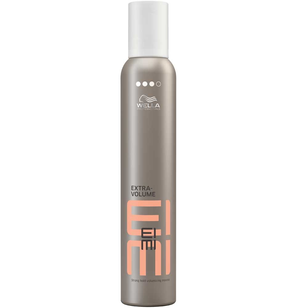Wella Пена для укладки сильной фиксации EIMI Extra Volume, 300 млSatin Hair 7 BR730MNПена для укладки волос со степенью фиксации 3 позволяет придать волосам идеальную форму.