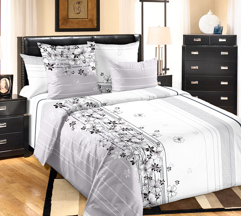 Комплект белья Белиссимо Пальмира 1, евро 1, наволочки 70х704200ПВеликолепное постельное белье Текс-Дизайн Пальмира 1 из высококачественного перкаля (100% хлопок) и украшено ассиметричным цветочным рисунком и линиями. Комплект состоит из пододеяльника, простыни и двух наволочек. Перкаль - это тонкая и легкая хлопчатобумажная ткань высокой плотности полотняного переплетения, сотканная из пряжи высоких номеров. При изготовлении перкаля используются длинноволокнистые сорта хлопка, что обеспечивает высокие потребительские свойства материала. Несмотря на свою утонченность, перкаль очень практичен - это одна из самых износостойких тканей для постельного белья.
