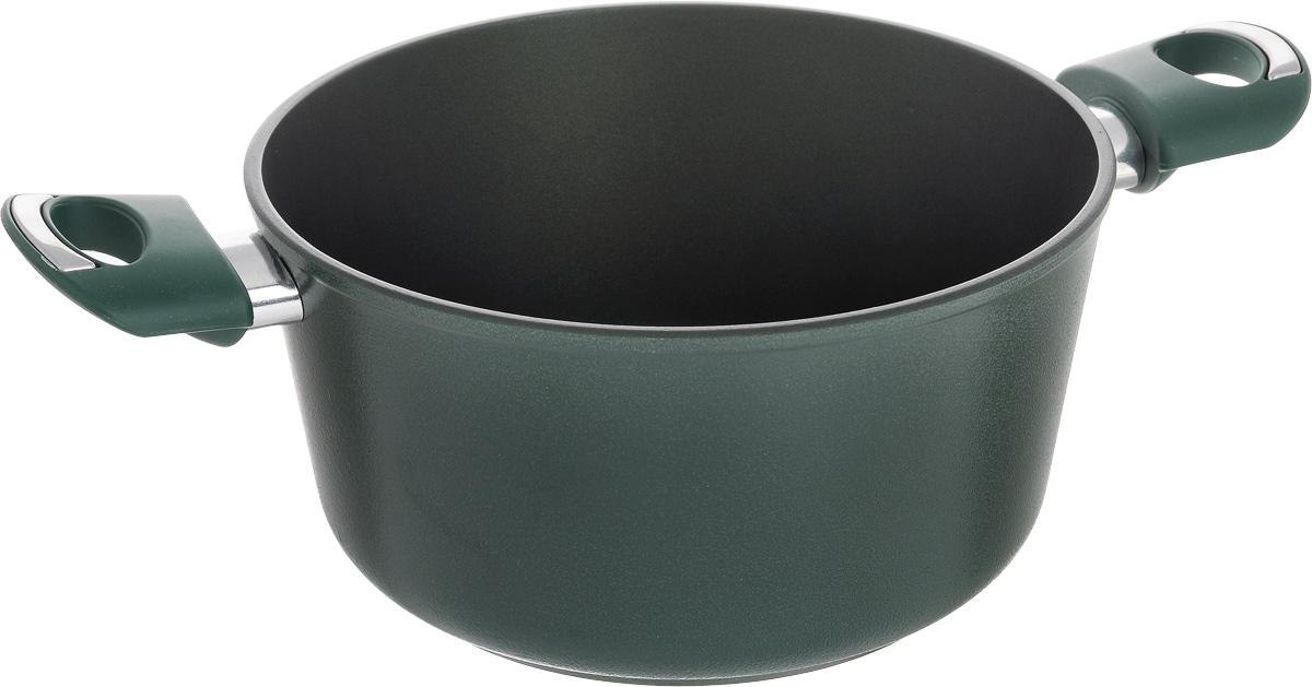 Кастрюля Vari Esperto, с антипригарным покрытием, 3 л391602Кастрюля Vari Esperto выполнена из литого алюминия и оснащена удобными бакелитовыми ручками. Благодаря внутреннему износостойкому антипригарному покрытию Xylan XLR пища не пригорает и не прилипает к стенкам. Готовить можно с минимальным количеством масла и жиров. Внешнее покрытие - термостойкий силикон. Гладкая поверхность обеспечивает легкость ухода за посудой.Посуда равномерно распределяет тепло и обладает высокой устойчивостью к деформации, легкая и практичная в эксплуатации. Подходит для использования на электрических, газовых и стеклокерамических плитах. Не подходит для индукционных плит. Можно мыть в посудомоечной машине. Диаметр кастрюли: 22 см. Высота стенки: 11,5 см. Ширина (с учетом ручек): 36 см.