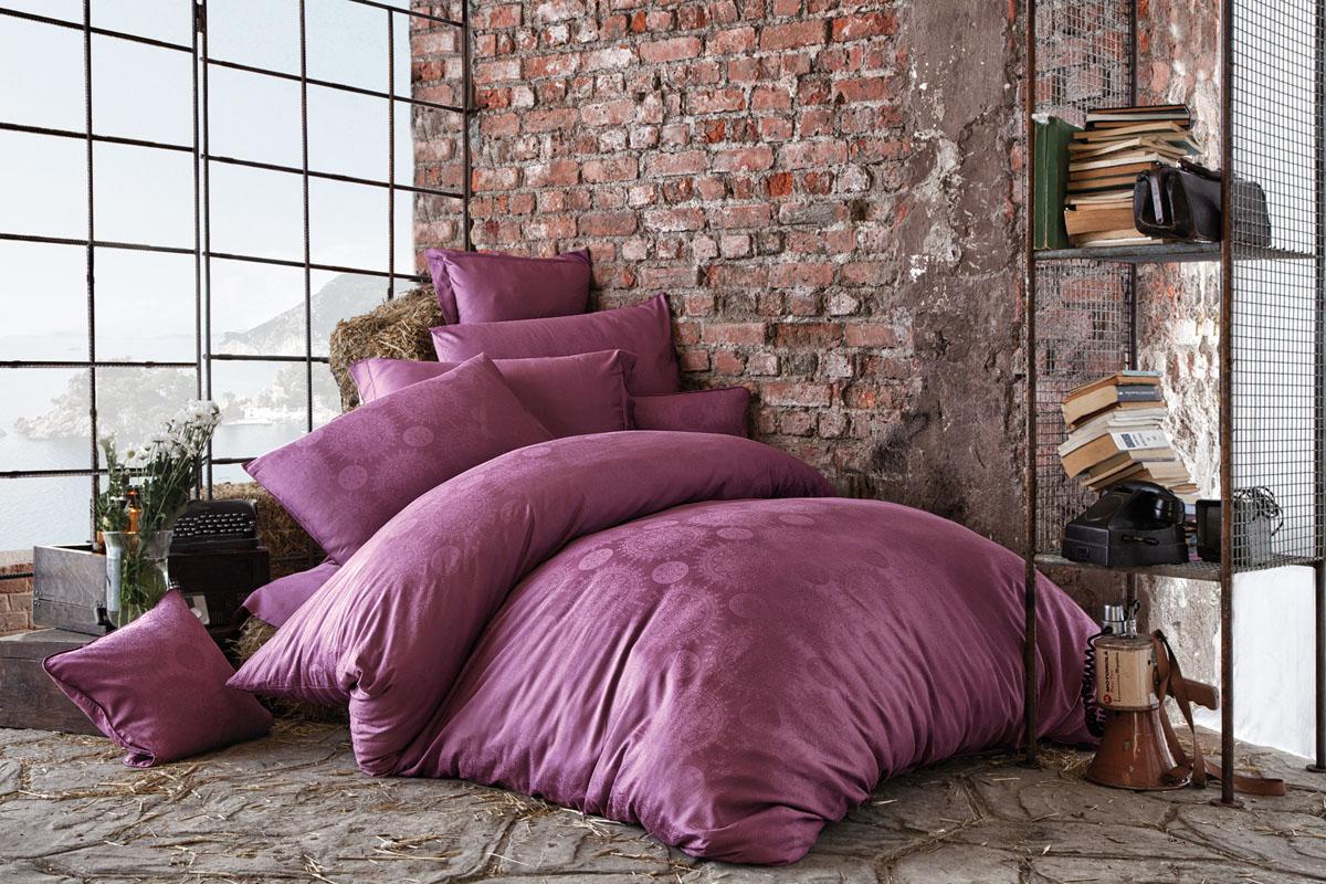 Комплект белья Issimo Home Medusa, евро, наволочки 50x70, цвет: пурпурный. 4617391602Все белье Issimo – это образец качества. Ровные швы, качественный хлопок, четкие рисунки на тканях, которые не полиняют и не потеряют яркости долгое время – все это говорит о строгом отношении производителя к своей продукции.