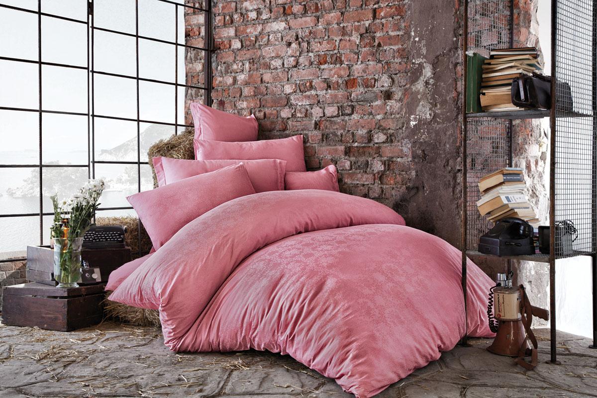 Комплект белья Issimo Home Bertha, евро, наволочки 50x70, цвет: розовый. 4621391602Все белье Issimo – это образец качества. Ровные швы, качественный хлопок, четкие рисунки на тканях, которые не полиняют и не потеряют яркости долгое время – все это говорит о строгом отношении производителя к своей продукции.