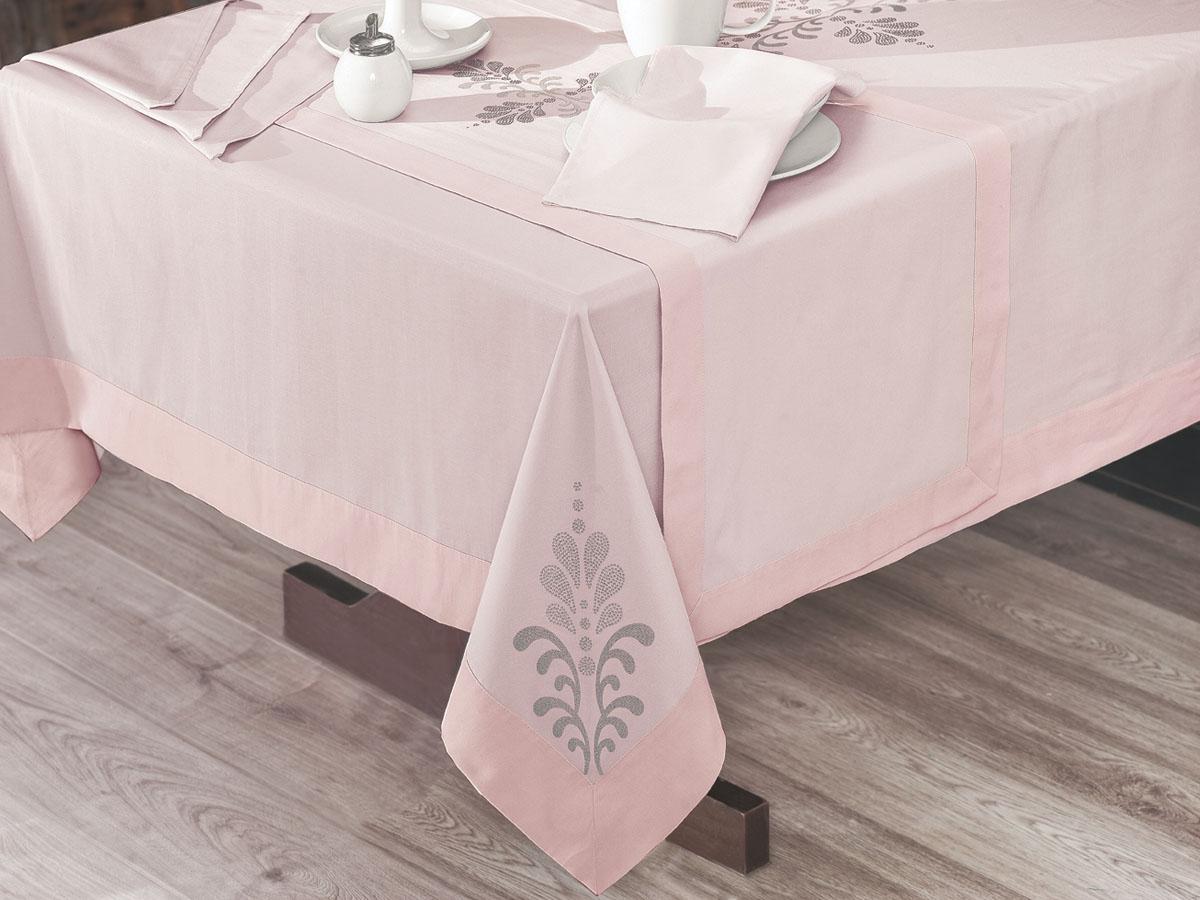 Скатерть Issimo Home Boleno, квадратная, 160 x 160 см. 4907115510Скатерти ISSIMO - это настоящий шедевр текстильной индустрии! Мягкие, переливающиеся оттенки, разнообразные варианты жаккарда, невероятно износоустойчивые и легкие в уходе ткани - все это позволит скатертям стать Вашим незаменимым помощником на кухне! Они не только украсят любую кухню или гостиную, но и станут прекрасным подарком на любые случаи жизни!