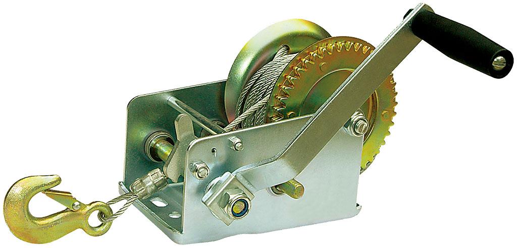 Лебедка ручная Zipower, 1134 кг, 10 мДА-18/2М+АЛебедка Zipower предназначена для перемещения грузов в горизонтальном положении весом до 0,5 тонны. Позволяет самостоятельно вытащить застрявший автомобиль. Шестеренчатая лебедка имеет прочный стальной корпус и стальной шестеренчатый механизм, который приводится в движение вращением ручки.Тяговое усилие: 1134 кг. Длина троса: 10 м.Максимальный вес груза: 0,5 т.