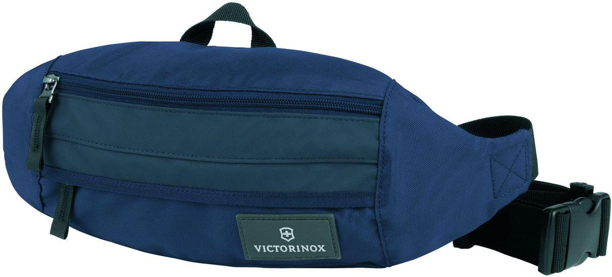 Сумка на пояс Victorinox Altmont 3.0 Orbital, цвет: синий. 32388909M0212 10 N1WОригинальный швейцарский армейский нож «Swiss Army» был создан в 1897 году в небольшой деревушке Ибах в Швейцарии.С тех пор продукция,выпускаемая под маркой «Victorinox» с ее узнаваемым логотипом в виде креста на щите,по праву считается эталоном отличного качества,высокой функциональности,инновационных технологий и культового дизайна.Наша преданность принципам в течение последних 130 лет позволила нам создавать продукты,которые являются выдающимися не только по дизайну и качеству,но которые также являются надежными спутниками в больших и маленьких жизненных приключениях.Сегодня мы с гордостью представляем линейку сумок,чемоданов и дорожных аксессуаров,которые наилучшим образом воплощают в себе данные принципы,а также сочетают в себе черты нашего лучшего классического стиля.Индивидуальность-это то,что отличает вас от любого другого человека,с которым вы сталкиваетесь на улице,в поезде,с которым вы общаетесь в городе.Каждый день вашей жизни — это уникальный опыт,который никогда больше не повторится.Коллекция Altmont 3.0 создавалась с расчетом на индивидуальность.Неважно носите ли вы рюкзак,сумку-мессенджер или повседневную сумку — в коллекции Altmont 3.0 есть богатый выбор аксессуаров такой же многогранный,как и ваш индивидуальный стиль.Для вас просто не существуют такой вещи как «обычный день»,и также как и вы,наша коллекция справится с любой ситуацией.Прототип модели прошел целых 30 основательных и строгих испытаний,в ходе которых проводилась симуляция самых экстремальных сценариев и условий внешней среды,возможных в реальной жизни.Жесткий режим проводимых тестов гарантирует точность,прочность и износоустойчивость,т.е. все признаки высокого качества и эксплуатационных характеристик,которые покупатель ожидает от продукции «Victorinox».Далее каждое изделие проходит тщательный контроль сертифицированным техническим специалистом.В результате мы можем безоговорочно отвечать за качество нашей п
