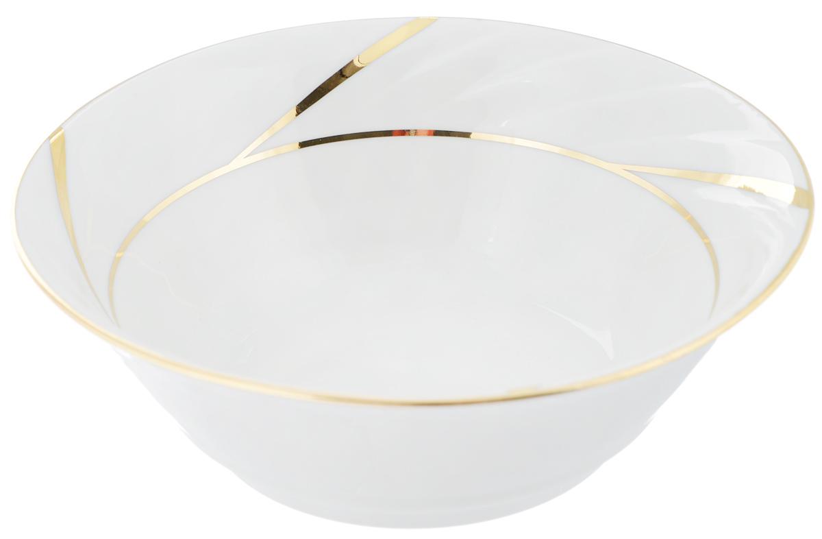 Салатник Голубка. Бомонд, 360 мл1035425Великолепный круглый салатник Голубка. Бомонд, изготовленный из высококачественного фарфора, прекрасно подойдет для подачи различных блюд: закусок, салатов или ягод. Такой салатник украсит ваш праздничный или обеденный стол, а оригинальное исполнение понравится любой хозяйке.