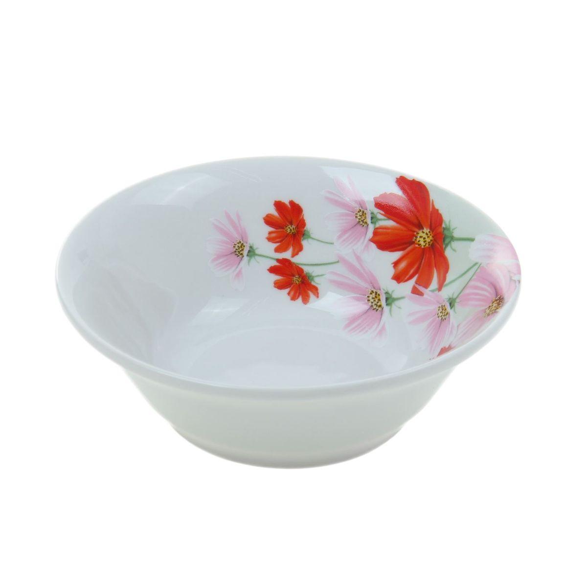 Салатник Идиллия. Космея, 360 мл1035456Элегантный салатник Идиллия. Космея, изготовленный из высококачественного фарфора, прекрасно подойдет для подачи различных блюд: закусок, салатов или фруктов. Такой салатник украсит ваш праздничный или обеденный стол, а оригинальное исполнение понравится любой хозяйке.Диаметр салатника: 14 см.