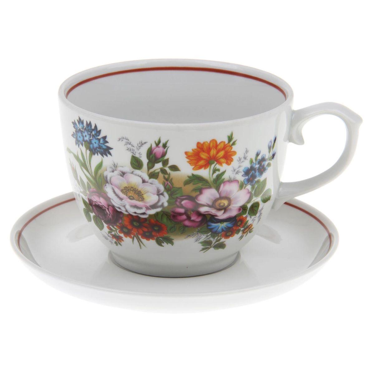 Чайная пара Букет цветов, 2 предмета391602Чайная пара Букет цветов состоит из чашки и блюдца, выполненных из фарфора. Чайная пара украшена цветочным рисунком. Набор сочетает в себе бытовую практичность и декоративную утонченность. Подходит для повседневного использования.