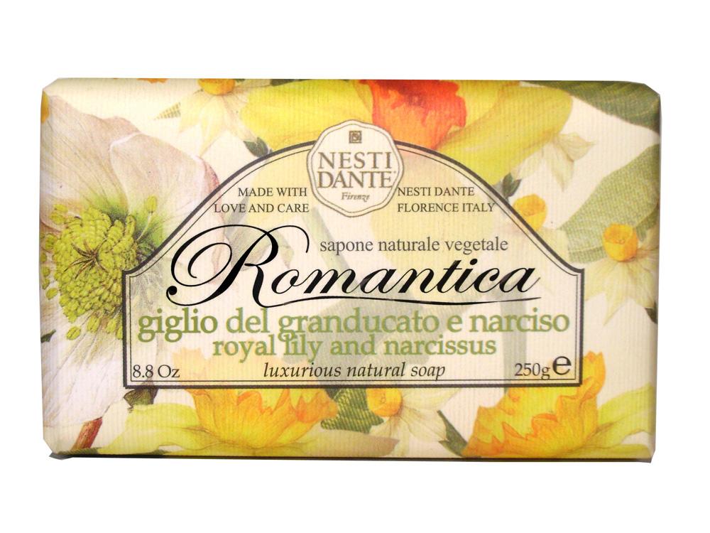 Мыло Nesti Dante Romantica. Королевская лилия и нарцисс, 250 г67003492Натуральное мыло премиум-класса Nesti Dante Romantica. Королевская лилия и нарцисс - два букета, бережно отобранные самые романтичные и эмоциональные ароматы, самые незабываемые моменты нашей жизни в магии цветов провинции Тоскана. Лилия символ красоты и совершенства, обладает тонким и приятным ароматом, аромат нарцисса тонизирует и поднимает настроение. Изысканная флорентийская бумага, в которую завернуто мыло, расписана акварелью, на каждом кусочке мыла выгравирована надпись With Love And Care (С любовю и заботой). Характеристики:Вес: 250 г. Производитель: Италия. Товар сертифицирован. Nesti Dante - одна из немногих итальянских мыловаренных фабрик, которая продолжает использовать в производстве только натуральные ингредиенты и кустарный способ производства. Тщательный выбор каждого ингредиента в отдельности позволяет использовать ценное сырье, такое как цельные нейтральные растительные и животные жиры и эти качественные материалы позволяют получать более обогащенное и более мягкое мыло благодаря присутствию фракции глицерида в жирах.