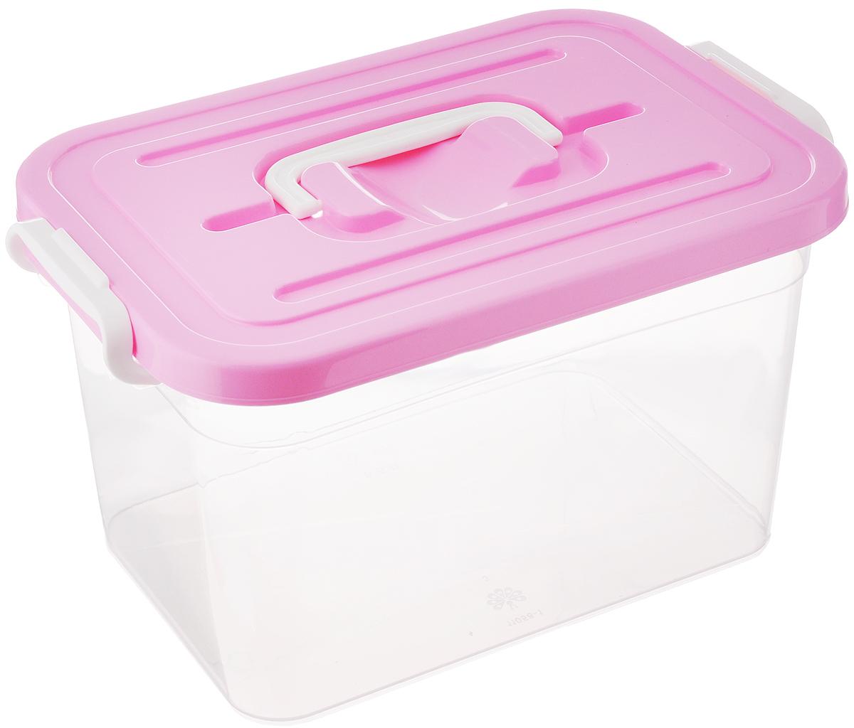 Контейнер для хранения Полимербыт, цвет: розовый, прозрачный, 6,5 лRG-D31SКонтейнер для хранения Полимербыт выполнен из высококачественного пищевого пластика. Контейнер снабжен удобной ручкой и двумя пластиковыми фиксаторами по бокам, придающими дополнительную надежность закрывания крышки. Вместительный контейнер позволит сохранить различные нужные вещи в порядке, а герметичная крышка предотвратит случайное открывание, защитит содержимое от пыли и грязи. Объем: 6,5 л.