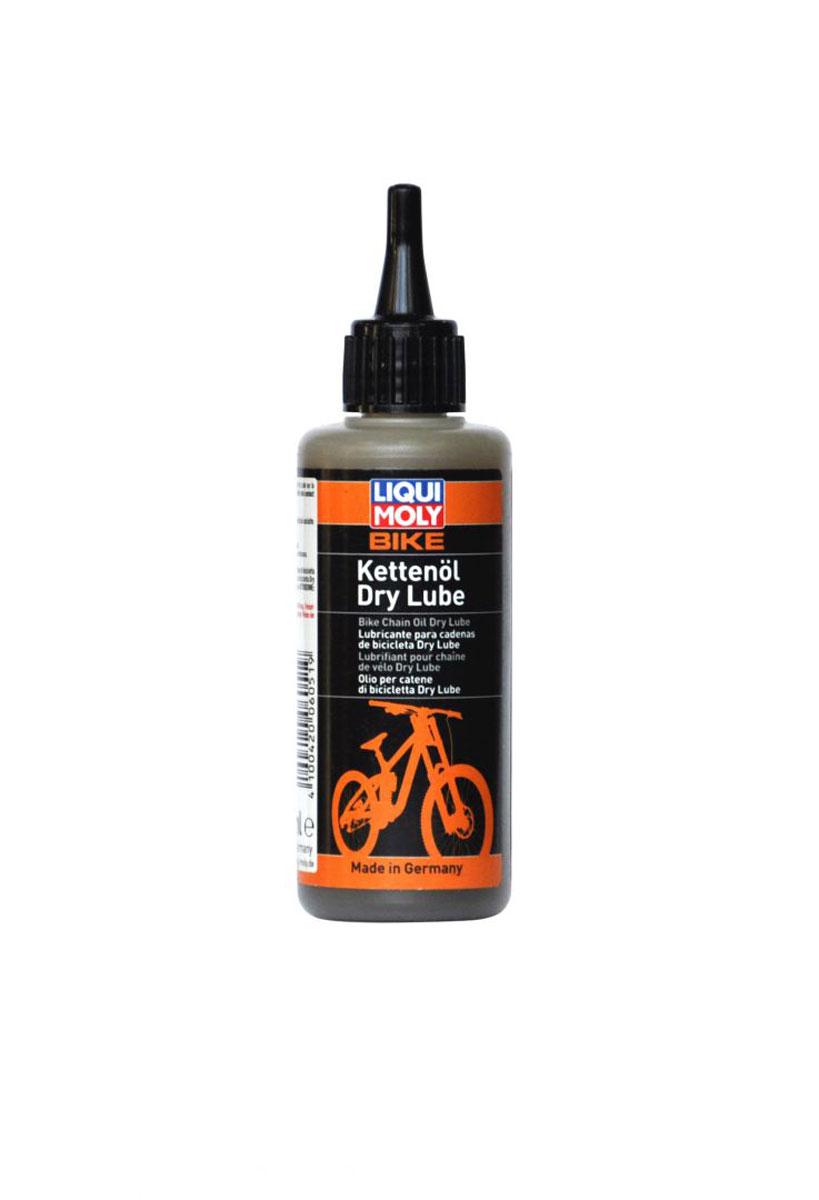 Смазка для цепи велосипеда Liqui Moly Bike Kettenoil Dry Lube, в сухую погоду, 100 мл6051Liqui Moly Bike Kettenoil Dry Lube применяется для смазки цепей велосипедов, работающих в присутствии сухой пыли. Содержит специальную комбинацию компонентов, которые наряду с их высокой проникающей способностью и липкостью обеспечивают наивысшую защиту от износа, благодаря нано-компонентам. Трение цепи заметно снижается и обеспечивается особо плавный ход.Особенности:Специально для сухих и пыльных условиях.Высокие антикоррозийные свойства.Повышенная температурная стойкость.Очень высокая защита от износа благодаря нано-компонентам.Высокие пылеотталкивающие свойства.Нейтральна к пластмассам, лакокрасочным материалам, металлам и уплотнительным кольцам.Хорошо держится на поверхностях.База: синтетические масла и специальные.Товар сертифицирован.