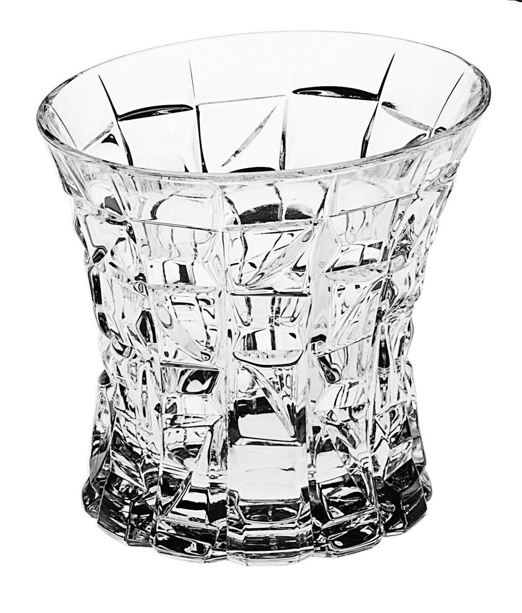 Стакан Crystal Bohemia, 200 мл, 6 штEL10-402Настоящий чешский хрусталь с содержанием оксида свинца 24%, что придает изделиям поразительную прозрачность и чистоту, невероятный блеск, присущий только ювелирным изделиям , особое, ни с чем не сравнимое светопреломление и игру всеми красками спектра как при естественном, так и при искуственном освещении. Продукция из Хрусталя соответствуют всем европейским и российским стандартам качества и безопасности. Традиции чешских мастеров передаются из поколения в поколение. А высокая художаственная ценность иделий признана искушенными ценителями во всем мире. Продукция из Хрусталя соответствуют всем европейским и российским стандартам качества и безопасности.