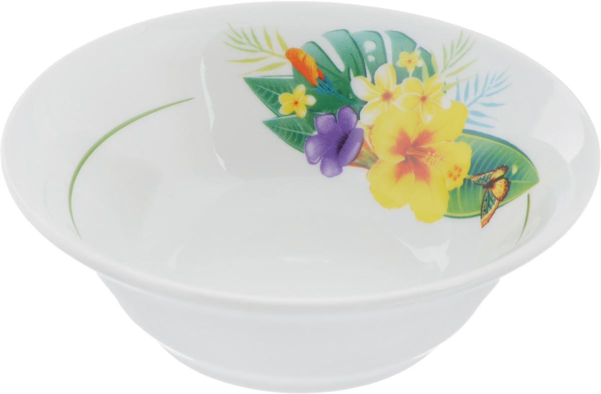 Салатник Идиллия. Райский остров, 360 млFS-91909Элегантный салатник Идиллия. Райский остров, изготовленный из высококачественного фарфора, прекрасно подойдет для подачи различных блюд: закусок, салатов или фруктов. Такой салатник украсит ваш праздничный или обеденный стол, а оригинальное исполнение понравится любой хозяйке.