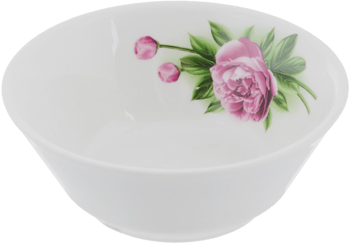 Салатник Пион, 200 мл115610Элегантный салатник Пион, изготовленный из высококачественного фарфора, прекрасно подойдет для подачи различных блюд: закусок, салатов или фруктов. Такой салатник украсит ваш праздничный или обеденный стол, а оригинальное исполнение понравится любой хозяйке.