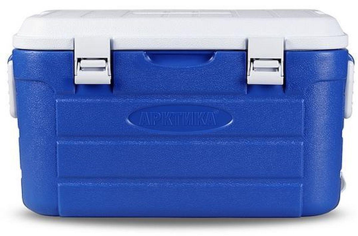 Контейнер изометрический Арктика, цвет: синий, белый, 38 х 22 х 25 см96306ТермоконтейнерАрктика изготавливается по принципу любой термопосуды: двойные стенки и теплоизолятор между ними. Большой объем, энергонезависимость, ударопрочный пластик, из которого изготовлен корпустермобокса,делают его универсальным вместилищем для продуктов, чью высокую или низкую температуру нужно сохранять достаточно долгое время (до 48 часов). Дача, пикник, пляж, спорт на природе – в любом случае участникам необходимы либо холодные напитки, либо горячая еда. Большой объемтермоконтейнерапозволяет взять с собой достаточно и того, и другого.Термоконтейнер Арктикана 10 л оснащен широким плечевым ремнем с подплечником для удобства переноски. Чтобы как можно дольше поддерживать стабильную температуру внутри термобокса можно использовать аккумуляторы холода, лед или, наоборот, простую грелку с горячей водой для сохранения тепла.Объем: 10 л.Время сохранения тепла/холода: до 48 часов.Температурный режим: от -30°С до +75°С.