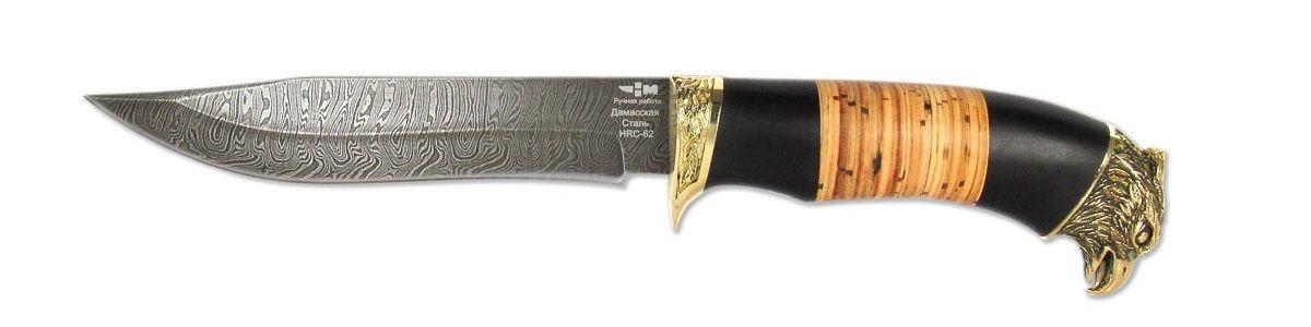Нож охотничий Ножемир Гепард, длина клинка 15 смГЕПАРД (4192)дКрасивый и богато декорированный охотничий нож Ножемир Гепард отлично впишется в любую коллекцию. Острый клинок этой модели выполнен их многослойной дамасской стали, которая обладает высокой прочностью, но при этом легко поддается правке и заточке. К интересным особенностям этой модели стоит отнести красивое навершие в форме головы хищной птицы, что, несомненно, повышает ценность этой модели в глазах покупателя. В комплекте чехол для переноски и хранения.Общая длина ножа: 28,3 см.