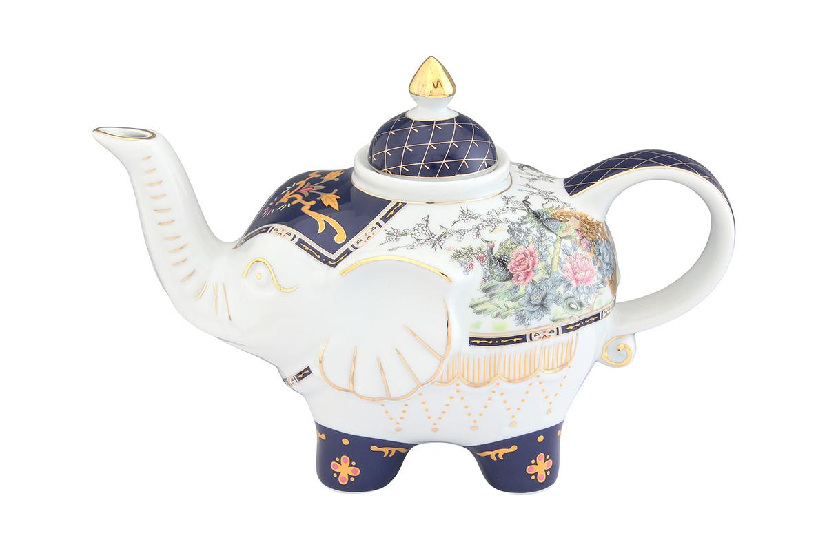 Чайник заварочный Elan Gallery Павлин на золоте, 750 мл54 009312Загадочная страна Индия: чай, слоны, солнце, праздник! Чайник, выполненный в форме слона, будет напоминать Вам об Индии и наполнит Ваш дом солнечным настроением. Изделие имеет подарочную упаковку, идеальный подарок для Ваших близких!Объем чайника: 750 мл.Размер чайника: 23 х 11 х 15 см.