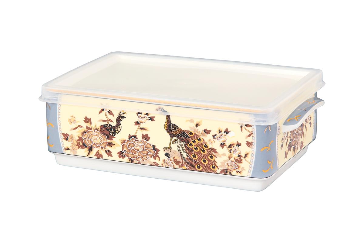 Блюдо для холодца Elan Gallery Павлин на бежевом, с крышкой, 20 х 12 х 6,5 см115510Сервировочное блюдо Elan Gallery Павлин на бежевом, изготовленное из высококачественной керамики, прекрасно подойдет для заливного или холодца и для хранения слоеных салатов. Пластиковая крышка, входящая в комплект, сохранит свежесть вашего блюда. Такое блюдо украсит сервировку вашего стола и подчеркнет прекрасный вкус хозяйки.Объем блюда: 800 мл.