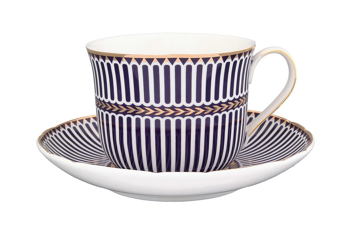 Чайная пара Elan Gallery Синие полоски, 2 предмета54 009312Чайная пара Elan Gallery Синие полоски состоит из чашки и блюдца, изготовленных из керамики высшего качества. Яркий дизайн, несомненно, придется вам по вкусу.Чайная пара Elan Gallery Синие полоски украсит ваш кухонный стол, а также станет замечательным подарком к любому празднику.Не рекомендуется применять абразивные моющие средства. Не использовать в микроволновой печи.Объем чашки: 400 мл.
