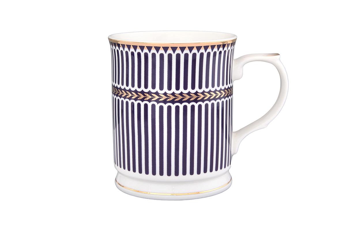 Кружка Elan Gallery Синие полоски, 400 мл1333006_йоркширский терьер, кот и ромашкиКружка Elan Gallery Синие полоски выполнена из высококачественной керамики и оформлена красочным рисунком. Изделие станет отличным дополнением к сервировке семейного стола, а также замечательным подарком для ваших родных и друзей.Не рекомендуется применять абразивные моющие средства. Не использовать в микроволновой печи.Диаметр кружки (по верхнему краю): 8,5 см.Высота: 10,5 см.