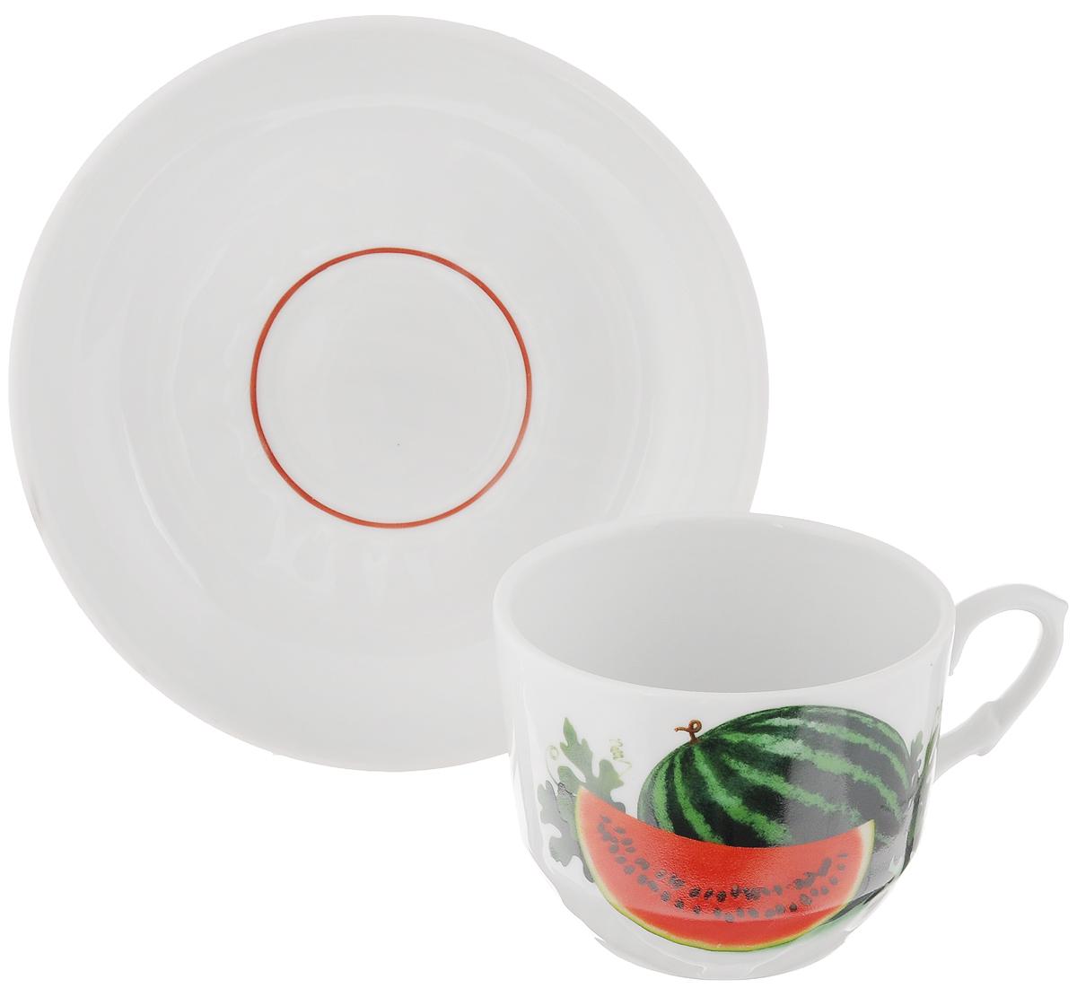 Чайная пара Кирмаш. Арбуз, 2 предмета115510Чайная пара Кирмаш. Арбуз состоит из чашки и блюдца, изготовленных из высококачественного фарфора. Оригинальный дизайн, несомненно, придется вам по вкусу.Чайная пара Кирмаш. Арбуз украсит ваш кухонный стол, а также станет замечательным подарком к любому празднику.Диаметр чашки (по верхнему краю): 8,5 см.Высота чашки: 7 см.Диаметр блюдца: 15 см.Высота блюдца: 3 см.