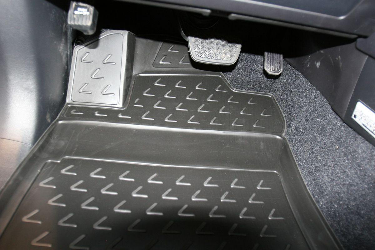 Коврики 3D в салон LEXUS GX460 02/2010->, 5 шт. (полиуретан)Ветерок 2ГФКоврики в салон не только улучшат внешний вид салона вашего автомобиля, но и надежно уберегут его от пыли, грязи и сырости, а значит, защитят кузов от коррозии. Полиуретановые коврики для автомобиля гладкие, приятные и не пропускают влагу. Автомобильные коврики в салон учитывают все особенности каждой модели и полностью повторяют контуры пола. Благодаря этому их не нужно будет подгибать или обрезать. И самое главное — они не будут мешать педалям.Полиуретановые автомобильные коврики для салона произведены из высококачественного материала, который держит форму и не пачкает обувь. К тому же, этот материал очень прочный (его, к примеру, не получится проткнуть каблуком).Некоторые автоковрики становятся источником неприятного запаха в автомобиле. С полиуретановыми ковриками Novline вы можете этого не бояться.Ковры для автомобилей надежно крепятся на полу и не скользят, что очень важно во время движения, особенно для водителя.Автоковры из полиуретана надежно удерживают грязь и влагу, при этом всегда выглядят довольно опрятно. И чистятся они очень просто: как при помощи автомобильного пылесоса, так и различными моющими средствами.
