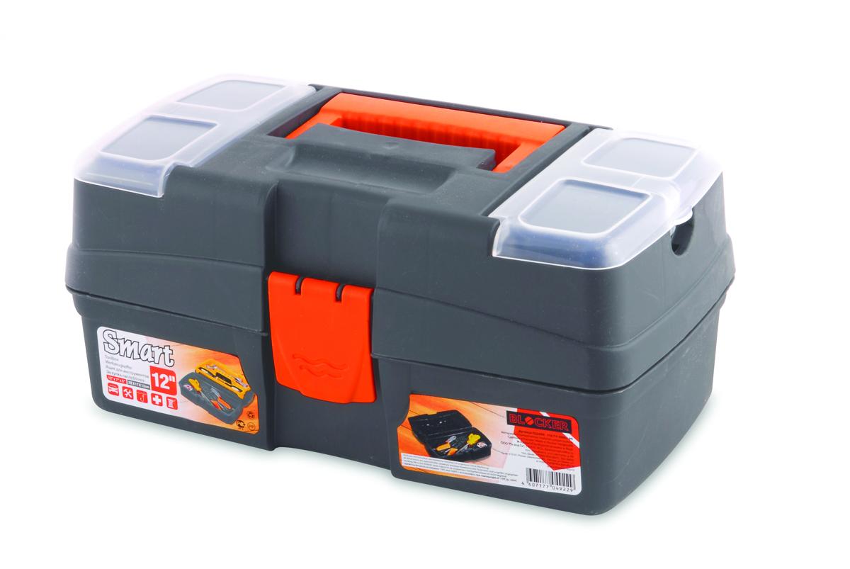 Ящик для инструментов Blocker Smart, цвет: серый, оранжевый, 290 х 170 х 132 мм2706 (ПО)Многофункциональный ящик небольшого размера Blocker Smart отлично подходит для хранения ремонтных и бытовых принадлежностей, а также используется в качестве аптечки дома и в автомобиле. Ящик имеет надежный замок, удобную ручку для переноски и встроенные органайзеры в крышке для размещения мелких деталей.