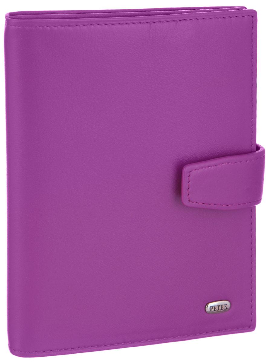 Обложка для паспорта и автодокументов женская Petek 1855, цвет: пурпурный. 595.167.16595.167.16 PurpleОбложка для паспорта и автодокументов Petek 1855 выполнена из натуральной высококачественной кожи. Внутри имеет отделение для паспорта, два сетчатых боковых кармана и съемный блок из шести прозрачных файлов из мягкого пластика, один из которых формата А5. Обложка закрывается на хлястик с кнопкой.Обложка упакована в фирменную коробку. Изделие сочетает в себе классический дизайн и функциональность. Обложка не только поможет сохранить внешний вид ваших документов и защитит их от повреждений, но и станет стильным аксессуаром, который подчеркнет ваш неповторимый стиль.