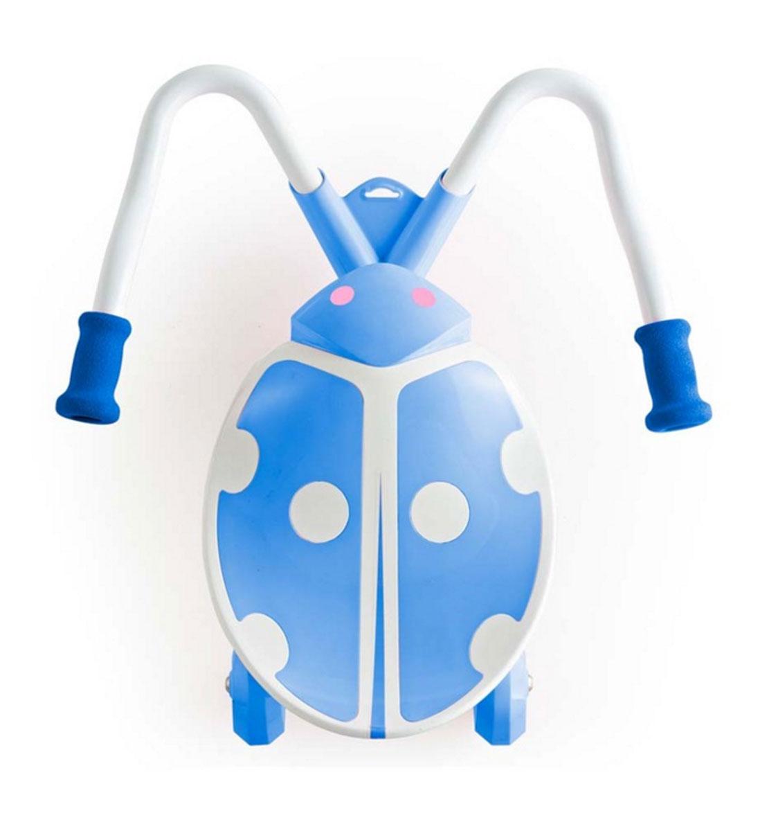 Детский скутер JD BUG TC-60 KIDZ SWAYER MINI, синийTC-60 KIDZ SWAYER MINIДетский скутер JD Bug TC-60 – Mini Kid SWAYER (синий)Новое изобретение Jd Bug станет настоящим хитом на улицах Москвы, Kidz Swayer отлично подойдет детям, которые любят движение и скорость. Забавный беговел доставит много удовольствия маленькому гонщику и в то же время поможет малышу развивать координацию движений.JD Bug TC-60 – Mini Kid SWAYER - это новый детский сидячий скутер в форме божьей коровки, он имеет широкое пластиковое сиденье и изогнутый стальной руль с мягкими рукоятками. Для того, чтобы привести скутер в движение ребенку необходимо сесть в седло, поставить ноги на основание руля и попеременно нажимать ногами, держа рукоятки в руках для контроля направления. Ребенку не нужно отталкиваться от земли, скутер покатится за счет движения подвижных мягких колес.Дети очень быстро учатся кататься на этом самокате, достаточно просто посадить ребенка на него и он интуитивно понимает, что ему надо делать и сразу же начинает наворачивать круги.Swayer очень легкий, благодаря чему ребенок сможет самостоятельно переносить его там, где не сможет проехать. ТС-60 имеет высокий показатель Lowrisk factor, что обозначает, что он очень безопасный для детей любого возраста, центр тяжести находится в нескольких сантиметрах от земли, поэтому вероятность опрокидывания или травмы практически равна нулю.Необычный скутер Jd bug TC-60 получил приз the Best of the Fair на выставке игрушек the 39th Hong Kong Toys & Games Fair в 2013 году в Гонконге. Инновационная идея и инновационный дизайн самоката получили широкое признание экспертов отрасли.