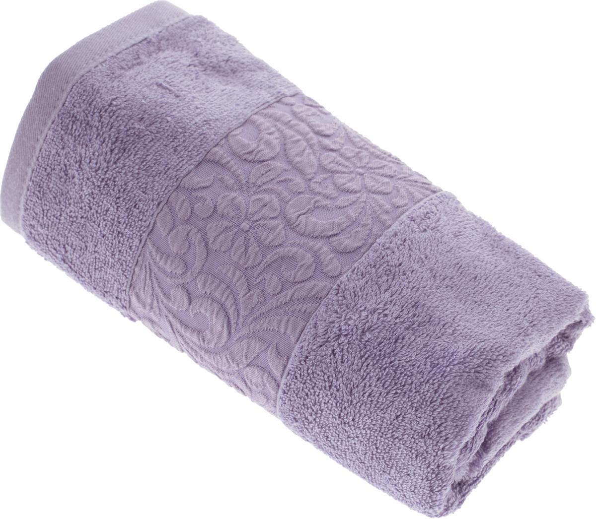Полотенце бамбуковое Issimo Home Valencia, цвет: фиолетовый, 50 x 90 см391602Полотенце Issimo Home Valencia выполнено из 60% бамбукового волокна и 40% хлопка. Таким полотенцем не нужно вытираться - только коснитесь кожи - и ткань сама все впитает. Такая ткань впитывает в 3 раза лучше, чем хлопок.Несмотря на высокую плотность, полотенце быстро сохнет, остается легкими даже при намокании.Изделие имеет красивый жаккардовый бордюр, оформленный цветочным орнаментом. Благородные, классические тона создадут уют и подчеркнут лучшие качества махровой ткани, а сочные, яркие, летние оттенки создадут ощущение праздника и наполнят дом энергией. Красивая, стильная упаковка этого полотенца делает его уже готовым подарком к любому случаю.
