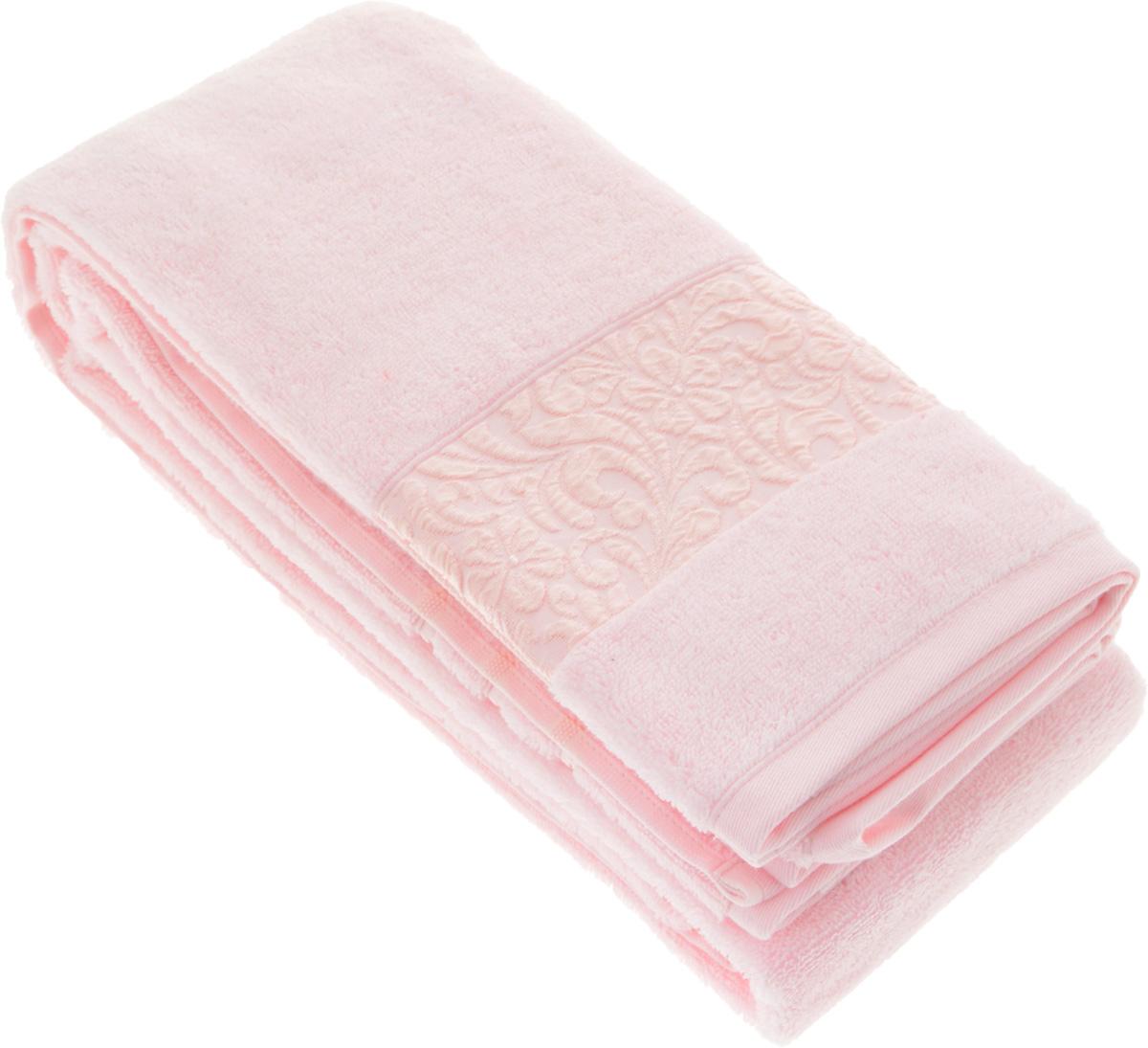 Полотенце бамбуковое Issimo Home Valencia, цвет: светло-розовый, 90 x 150 смC0042416Полотенце Issimo Home Valencia выполнено из 60% бамбукового волокна и 40% хлопка. Таким полотенцем не нужно вытираться - только коснитесь кожи - и ткань сама все впитает. Такая ткань впитывает в 3 раза лучше, чем хлопок.Несмотря на высокую плотность, полотенце быстро сохнет, остается легкими даже при намокании.Изделие имеет красивый жаккардовый бордюр, оформленный цветочным орнаментом. Благородные, классические тона создадут уют и подчеркнут лучшие качества махровой ткани, а сочные, яркие, летние оттенки создадут ощущение праздника и наполнят дом энергией. Красивая, стильная упаковка этого полотенца делает его уже готовым подарком к любому случаю.