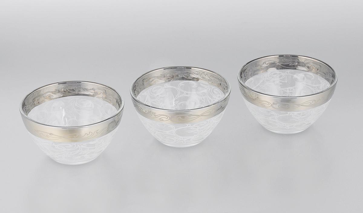Набор салатников Гусь-Хрустальный Шарм, диаметр 11 см, 3 шт115510Набор Гусь-Хрустальный Шарм состоит из 3 глубоких салатников, выполненных из высококачественного натрий-кальций-силикатного стекла. Изделия оформлены красивым зеркальным покрытием и белым матовым орнаментом.Такие салатники прекрасно подходят для сервировки различных закусок, подачи салатов из свежих овощей, фруктов и многого другого.Набор Гусь-Хрустальный Шарм прекрасно оформит праздничный стол и удивит васизысканным дизайном. Уважаемые клиенты! Обращаем ваше внимание на незначительные изменения в дизайне товара, допускаемые производителем. Поставка осуществляется в зависимости от наличия на складе.