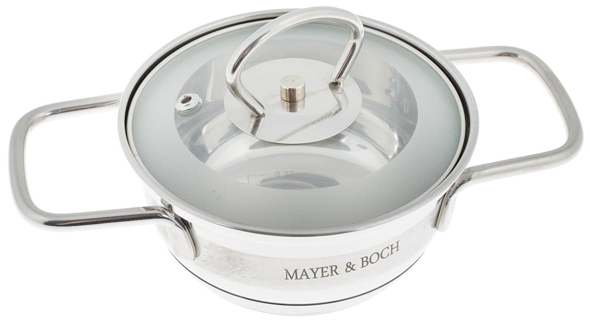 Кастрюля Mayer & Boch с крышкой, 600 мл. 2540468/5/3Кастрюля Mayer & Boch изготовлена из высококачественной нержавеющей стали. Комбинация матовой и зеркальной полировки внешнего покрытия придает изделию особо эстетичный и стильный вид. Изделие предназначено для здорового и экологичного приготовления пищи. Внутренняя гладкая поверхность легко чистится - можно мыть в воде руками или протирать полотенцем. Кастрюля имеет трехслойное капсульное дно, которое обеспечивает быстрый подогрев пищи, а также сохранит тепло. Кастрюля оснащена двумя удобными ручками. Крышка из термостойкого стекла снабжена металлическим ободом, удобнойручкой и отверстием для выпуска пара. Такая крышка позволяет следить за процессом приготовления пищи без потери тепла. Она плотно прилегает к краю кастрюли, сохраняя аромат блюд. Внутренние стенки кастрюли имеют отметки литража. Подходит для всех типов плит, включая индукционные. Не предназначена для СВЧ-печей. Можно мыть в посудомоечной машине. Подходит для хранения пищи в холодильнике.Диаметр кастрюли (по верхнему краю): 13,5 см.Диаметр индукционного диска: 7 см.Высота стенки: 6 см. Ширина кастрюли (с учетом ручек): 22 см.