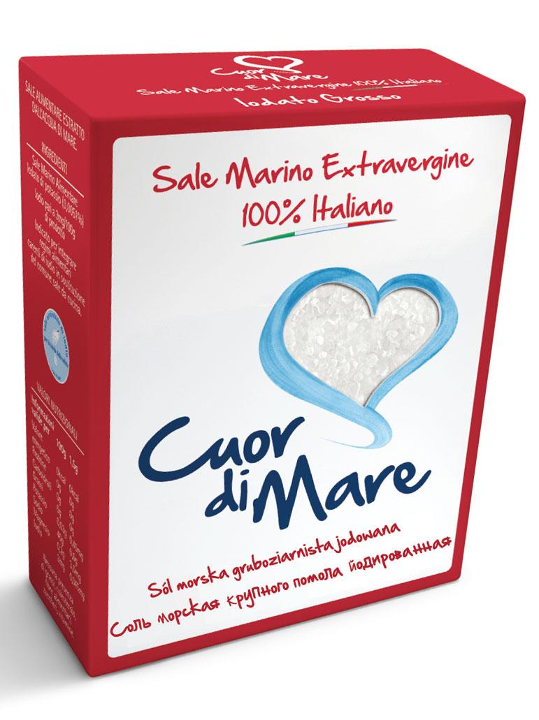 Cuor di Mare cоль морская йодированная крупного помола, 1 кг0120710Соль морская йодированная крупного помола Cuor di Mare предназначена для пополнения пищевого рациона с дефицитом йода. Не содержит жиров, холестерола и сахара. Рекомендуется суточная доза до 3 г вместо обычной соли. Йод необходим как детям, так и взрослым. Йод способствует росту ребенка и помогает предотвратить йододефицитные заболевания, такие как дисфункция щитовидной железы. Йодированная соль может входить в состав любой сбалансированной диеты, а также использоваться вместо поваренной. Линия Cuor di Mare является первой 100% итальянской солью первой очистки. Ее частицы кропотливо отобраны и подвергнуты нескольким этапам обработки. В результате получается уникальная, высоко растворимая соль с интенсивным, но нежным вкусом.