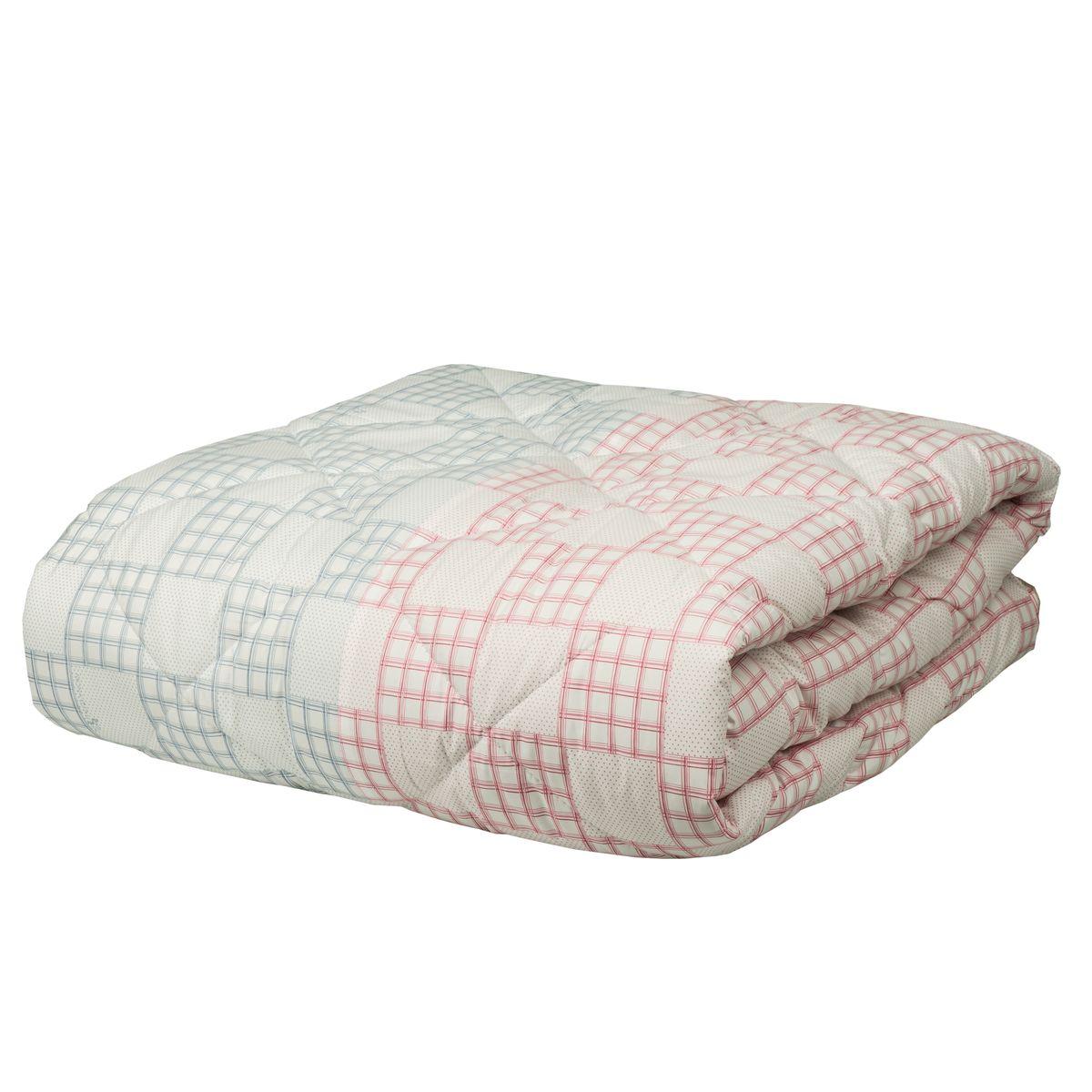 Одеяло Mona Liza Chalet Climat Control, цвет: серый, розовый, 170 х 200 смCLP446Одеяло Mona Liza Chalet Climat Control изготовлено из плотного тика, с отделочным кантом. Одновременно имеет две зоны температурного режима, поскольку наполнитель состоит из двух частей: одна половина изделия более теплая, содержит волокна натуральной шерсти, а вторая половина одеяла прохладная - так как наполнена натуральными растительными волокнами. Такое одеяло сделает спальное место уютным иподарит ощущение комфорта.