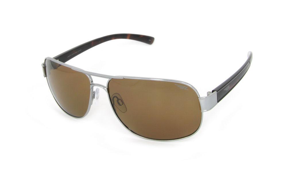 Очки поляризационные Legna, цвет: коричневый. S7213CBM8434-58AEСтильные солнцезащитные очки Legna сделают приятной прогулку в жаркий солнечный полдень. Их также по достоинству оценят водители, так как эта модель очков оснащена уникальными поляризационными линзами, которые задерживают раздражающие блики, что гарантирует полный зрительный комфорт и, как результат, повышенную безопасность. Высокоэффективный встроенный УФ фильтр обеспечивает совершенную защиту от вредных ультрафиолетовых лучейКроме того, это эффектный аксессуар, который наверняка станет «изюминкой» вашего индивидуального стиля. Оправа не только красивая, но и прочная, а линзы со временем не покроются мелкими царапинами. Чистка и обслуживание:Вымыть теплой водой, вытереть мягкой сухой салфеткой. Условия хранения: в футляре при нормальных климатических условиях.Предупреждение:Не использовать в солярии, не смотреть на прямые солнечные лучи, не использовать при управлении автомобилем в сумерках и ночью.