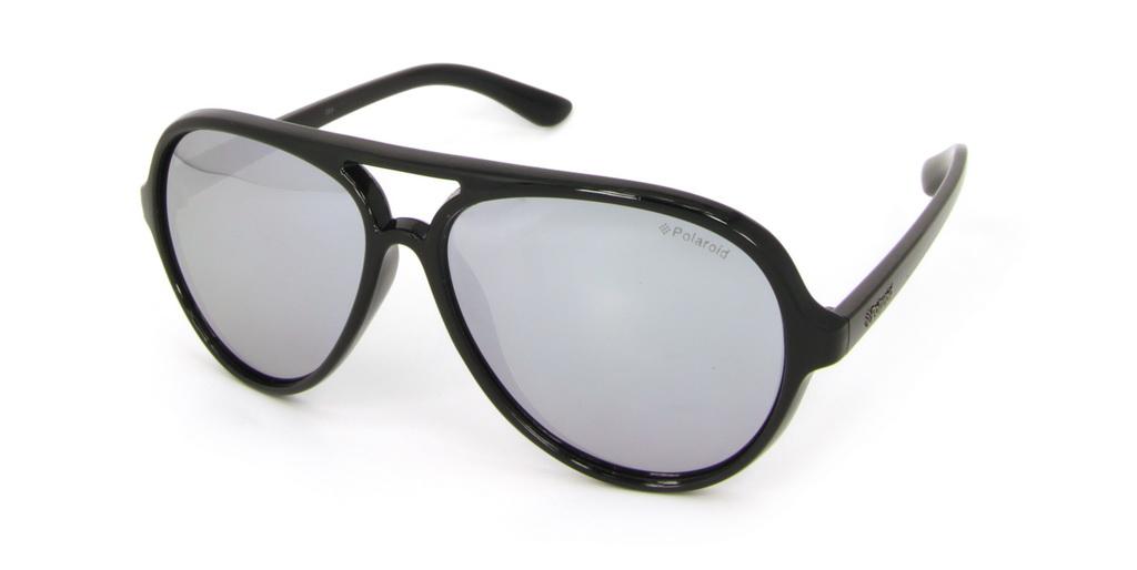 Очки поляризационные Polaroid, цвет: черный, серый металлик. P8401EINT-06501При отражении солнечного света от горизонтальной поверхности – такой, как дорога или вода – часто получается сконцентрированный горизонтально поляризованный свет. Такое явление называется блик. Вертикально поляризованный свет полезен для человеческого глаза. Блики же могут существенно влиять на зрение: ослепляют, ухудшают зрение, снижают его остроту и вызывают раздражение. Поляризованные солнцезащитные очки Polaroid блокируют блики и обеспечивают защиту от ультрафиолета, благодаря им вы сможете видеть лучше и в то же время защищать глаза от вредного излучения.В них используются эксклюзивные линзы UltraSight™, произведенные с использованием инновационной технологии Thermofusion™. Эти высококачественные линзы состоят из девяти слоев для обеспечения полной защиты ваших глаз и возможности видеть все без искажений. Кроме того, это эффектный аксессуар, который наверняка станет изюминкой  вашего индивидуального стиля. Оправа не только красивая, но и прочная, а линзы со временем не покроются мелкими царапинами. Изделие поставляется в фирменном жестком футляре на застежке-молнии и комплектуется мягкой салфеткой. Чистка и обслуживание:Вымыть теплой водой, вытереть мягкой сухой салфеткой. Условия хранения: в футляре при нормальных климатических условиях.Предупреждение:Не использовать в солярии, не смотреть на прямые солнечные лучи, не использовать при управлении автомобилем в сумерках и ночью.