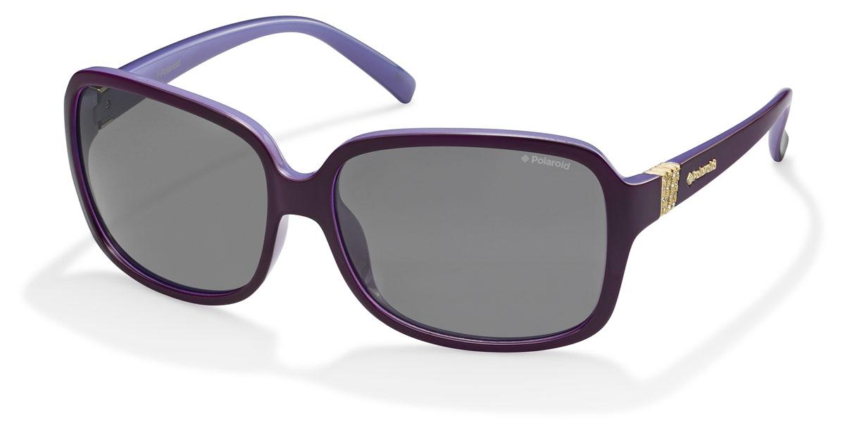 Очки женские поляризационные Polaroid, цвет: фиолетовый, черный. PLD5006.S.PUT.AHINT-06501При отражении солнечного света от горизонтальной поверхности – такой, как дорога или вода – часто получается сконцентрированный горизонтально поляризованный свет. Такое явление называется блик. Вертикально поляризованный свет полезен для человеческого глаза. Блики же могут существенно влиять на зрение: ослепляют, ухудшают зрение, снижают его остроту и вызывают раздражение. Поляризованные солнцезащитные очки Polaroid блокируют блики и обеспечивают защиту от ультрафиолета, благодаря им вы сможете видеть лучше и в то же время защищать глаза от вредного излучения.В них используются эксклюзивные линзы UltraSight™, произведенные с использованием инновационной технологии Thermofusion™. Эти высококачественные линзы состоят из девяти слоев для обеспечения полной защиты ваших глаз и возможности видеть все без искажений. Кроме того, это эффектный аксессуар, который наверняка станет изюминкой  вашего индивидуального стиля. Оправа не только красивая, но и прочная, а линзы со временем не покроются мелкими царапинами. Изделие поставляется в фирменном жестком футляре на застежке-молнии и комплектуется мягкой салфеткой. Чистка и обслуживание:Вымыть теплой водой, вытереть мягкой сухой салфеткой. Условия хранения: в футляре при нормальных климатических условиях.Предупреждение:Не использовать в солярии, не смотреть на прямые солнечные лучи, не использовать при управлении автомобилем в сумерках и ночью.
