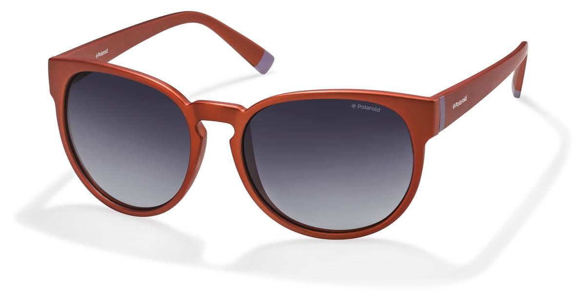 Очки поляризационные Polaroid, цвет: оранжевый, черный. PLD6007.S.QOU.WJINT-06501При отражении солнечного света от горизонтальной поверхности – такой, как дорога или вода – часто получается сконцентрированный горизонтально поляризованный свет. Такое явление называется блик. Вертикально поляризованный свет полезен для человеческого глаза. Блики же могут существенно влиять на зрение: ослепляют, ухудшают зрение, снижают его остроту и вызывают раздражение. Поляризованные солнцезащитные очки Polaroid блокируют блики и обеспечивают защиту от ультрафиолета, благодаря им вы сможете видеть лучше и в то же время защищать глаза от вредного излучения.В них используются эксклюзивные линзы UltraSight™, произведенные с использованием инновационной технологии Thermofusion™. Эти высококачественные линзы состоят из девяти слоев для обеспечения полной защиты ваших глаз и возможности видеть все без искажений. Кроме того, это эффектный аксессуар, который наверняка станет изюминкой  вашего индивидуального стиля. Оправа не только красивая, но и прочная, а линзы со временем не покроются мелкими царапинами. Изделие поставляется в фирменном жестком футляре на застежке-молнии и комплектуется мягкой салфеткой. Чистка и обслуживание:Вымыть теплой водой, вытереть мягкой сухой салфеткой. Условия хранения: в футляре при нормальных климатических условиях.Предупреждение:Не использовать в солярии, не смотреть на прямые солнечные лучи, не использовать при управлении автомобилем в сумерках и ночью.