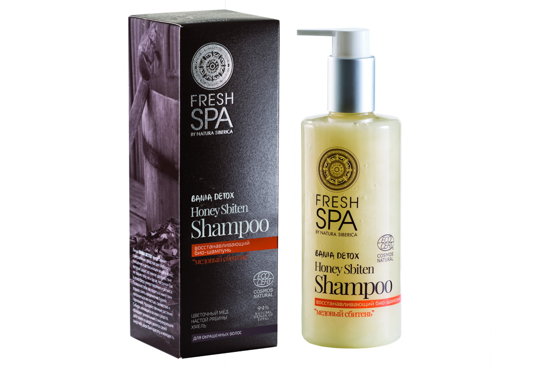 Fresh Spa Шампунь восстанавливающий Bania Detox Медовый Сбитень, 300 мл72523WDВосстанавливающий био — шампунь для окрашенных волос МЕДОВЫЙ СБИТЕНЬ, созданный на основе натуральных компонентов, деликатно очищает, интенсивно питает и увлажняет волосы, восстанавливая их поврежденную структуру. Эффективно удерживает красящие пигменты в волосах, предотвращая потерю цвета. Натуральный сибирский мед из пыльцы гречихи и цветков акации содержит большое количество витаминов, микроэлементов и активных компонентов, способствующих восстановлению волос. Возвращает им природную эластичность, силу и блеск. Органический настой из рябины — это кладезь витаминов С, К и Р, аминокислот и каротиноидов. Эффективно восстанавливает структуру волос, питает и насыщает кожу головы полезными витаминами и микроэлементами. Делает волосы мягкими и послушными, сохраняя яркость цвета.Эффект: Структура волос восстанавливается; цвет защищен от вымывания и сохраняет насыщенность до 10 недель; волосы более мягкие, блестящие и послушные.