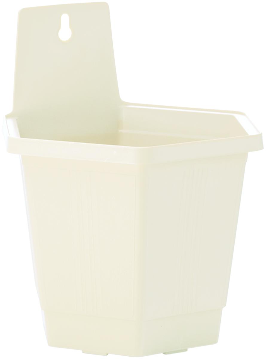 Кашпо настенное InGreen, цвет: белый, 18,5 х 16 х 21,5 смZ-0307Настенное кашпо InGreen, изготовленное из прочного пластика, прекрасно подходит для выращивания растений и цветов в домашних условиях. Изделие оснащено специальным отверстием для крепления на стену. Стильный лаконичный дизайн впишется в интерьер любого помещения и будет долгие годы радовать глаз.Кашпо InGreen станет неотъемлемым предметом декорадля загородных домов.