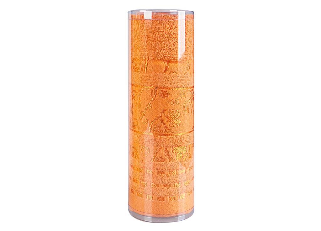 Полотенце махровое Soavita Df. Sandra, цвет: оранжевый, 50 х 90 см68/5/1Махровое полотно создается из хлопковых нитей, которые, в свою очередь, прядутся из множества хлопковых волокон. Чем длиннее эти волокна, тем прочнее будет нить, и, соответственно, изделие. Длина составляющих хлопковую нить волокон влияет и на фактуру получаемой ткани: чем они длиннее, тем мягче и пушистее получится махровое изделие, тем лучше будет впитывать изделие воду. Хотя на впитывающие качество махры – ее гигроскопичность, не в последнюю очередь влияет состав волокна. Мягкая махровая ткань отлично впитывает влагу и быстро сохнет. Soavita – это популярный бренд домашнего текстиля. Дизайнерская студия этой фирмы находится во Флоренции, Италия. Производство перенесено в Китай, чтобы сделать продукцию более доступной для покупателей. Таким образом, вы имеете возможность покупать продукцию европейского качества совсем не дорого. Домашний текстиль прослужит вам долго: все детали качественно прошиты, ткани очень плотные, рисунок наносится безопасными для здоровья красителями, не линяет и держится много лет. Все изделия упакованы в подарочные упаковки.