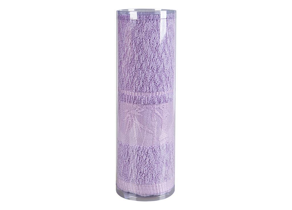 Полотенце Soavita Chloe, цвет: сиреневый, 50 х 90 см68/5/4Махровое полотенце Soavita Chloe выполнено из бамбукового волокна. Полотенца используются для протирки различных поверхностей, также широко применяются в быту.Такой набор станет отличным вариантом для практичной и современной хозяйки.Махровое полотно создается из хлопковых нитей, которые, в свою очередь, прядутся из множества хлопковых волокон. Чем длиннее эти волокна, тем прочнее будет нить, и, соответственно, изделие. Длина составляющих хлопковую нить волокон влияет и на фактуру получаемой ткани: чем они длиннее, тем мягче и пушистее получится махровое изделие, тем лучше будет впитывать изделие воду. Хотя на впитывающие качество махры - ее гигроскопичность, не в последнюю очередь влияет состав волокна. Мягкая махровая ткань отлично впитывает влагу и быстро сохнет.Размер полотенца: 50 х 90 см.