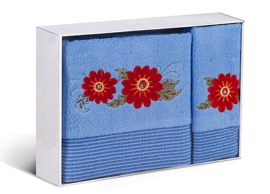 Набор махровых полотенец Soavita Astra, цвет: голубой, 2 шт1004900000360Махровое полотно создается из хлопковых нитей, которые, в свою очередь, прядутся из множества хлопковых волокон. Чем длиннее эти волокна, тем прочнее будет нить, и, соответственно, изделие. Длина составляющих хлопковую нить волокон влияет и на фактуру получаемой ткани: чем они длиннее, тем мягче и пушистее получится махровое изделие, тем лучше будет впитывать изделие воду. Хотя на впитывающие качество махры – ее гигроскопичность, не в последнюю очередь влияет состав волокна. Мягкая махровая ткань отлично впитывает влагу и быстро сохнет.