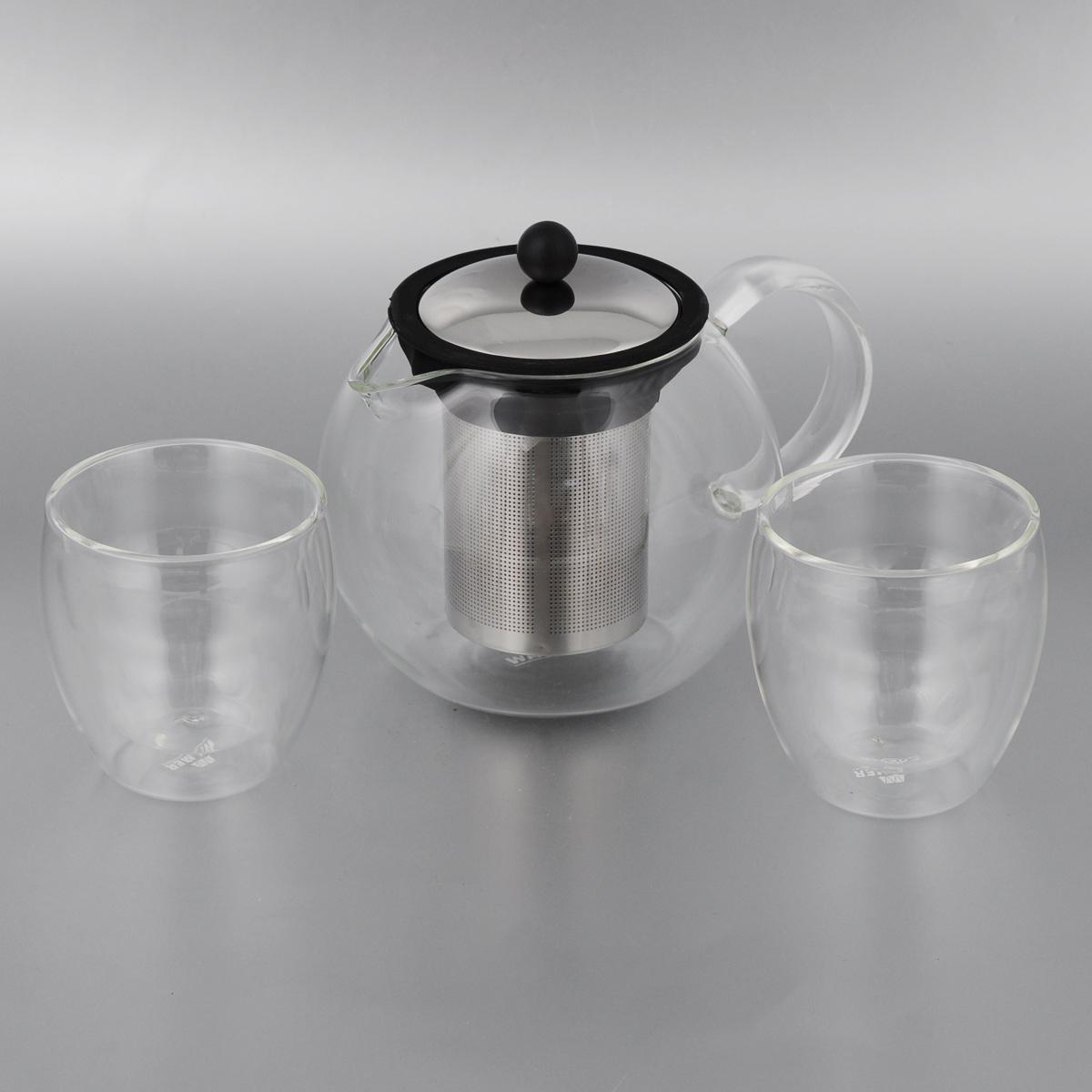 Набор чайный Walmer Baron, 3 предметаVT-1520(SR)Чайный набор Walmer Baron состоит из двух стаканов и заварочного чайника, выполненных из высококачественного стекла, пластика и стали. Элегантный набор придется по вкусу и ценителям классики, и тем, кто предпочитает утонченность и изысканность. Он настроит на позитивный лад и подарит хорошее настроение с самого утра.Чайный набор Walmer Baron идеально подойдет для сервировки стола и станет отличным подарком к любому празднику. Можно мыть в посудомоечной машине.Объем стакана: 250 мл. Диаметр стакана (по верхнему краю): 8 см. Высота стакана: 9 см. Объем чайника: 1 л.Диаметр чайника (по верхнему краю): 9 см. Высота чайника (без учета крышки): 12,5 см.