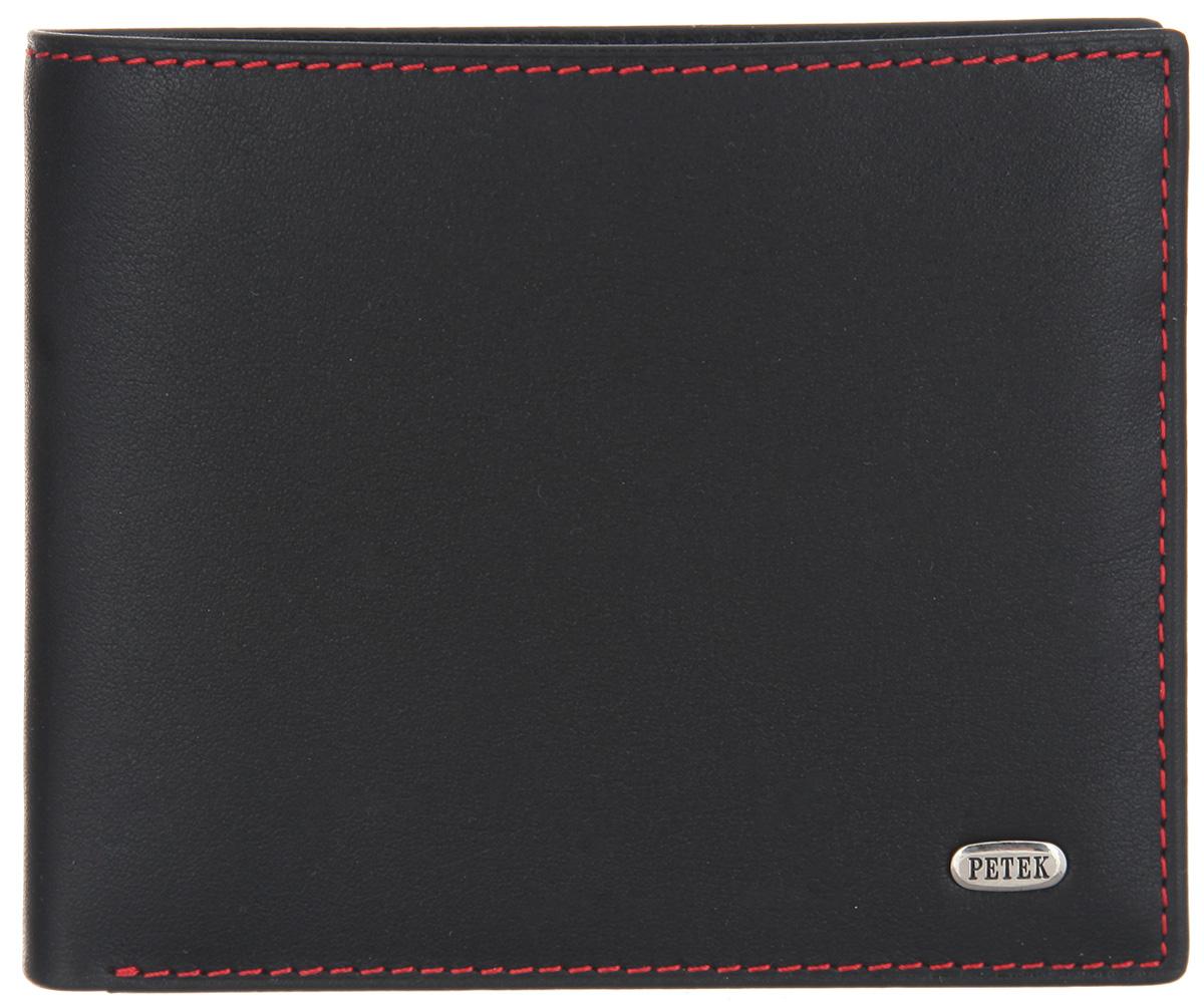 Портмоне мужское Petek 1855, цвет: черный. 179.000.RD1104-5860Стильное мужское портмоне Petek 1855 выполнено из натуральной кожи. Лицевая сторона оформлена металлической пластиной с гравировкой в виде названия бренда.Изделие раскладывается пополам. Портмоне содержит два отделения для купюр, сетчатый карман, два потайных кармана, шесть кармашков для визиток и пластиковых карт и карман с сетчатым окошечком. Портмоне упаковано в фирменную коробку. Такое портмоне станет отличным подарком для человека, ценящего качественные и стильные вещи.