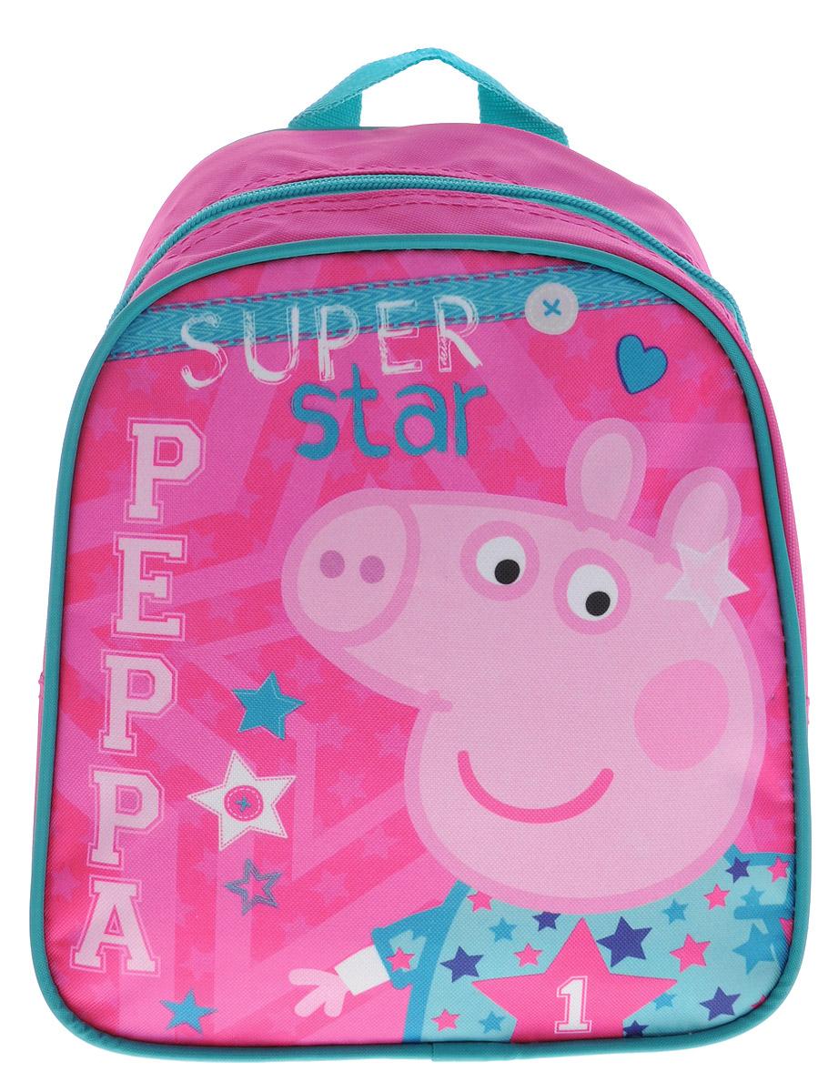 Peppa Pig Рюкзак дошкольный малый Superstar72523WDМалый дошкольный рюкзак Peppa Pig Superstar обязательно понравится каждой любительнице популярного мультфильма про Свинку Пеппу. Рюкзак выполнен из прочного полиэстера и украшен изображением свинки Пеппы (сублимированная печать). Рюкзак имеет одно отделение на молнии, регулируемые лямки и специальную ручку для размещения на вешалке. Износостойкая ткань с водоотталкивающей пропиткой сохранит содержимое рюкзака сухим.Порадуйте свою малышку таким замечательным подарком!