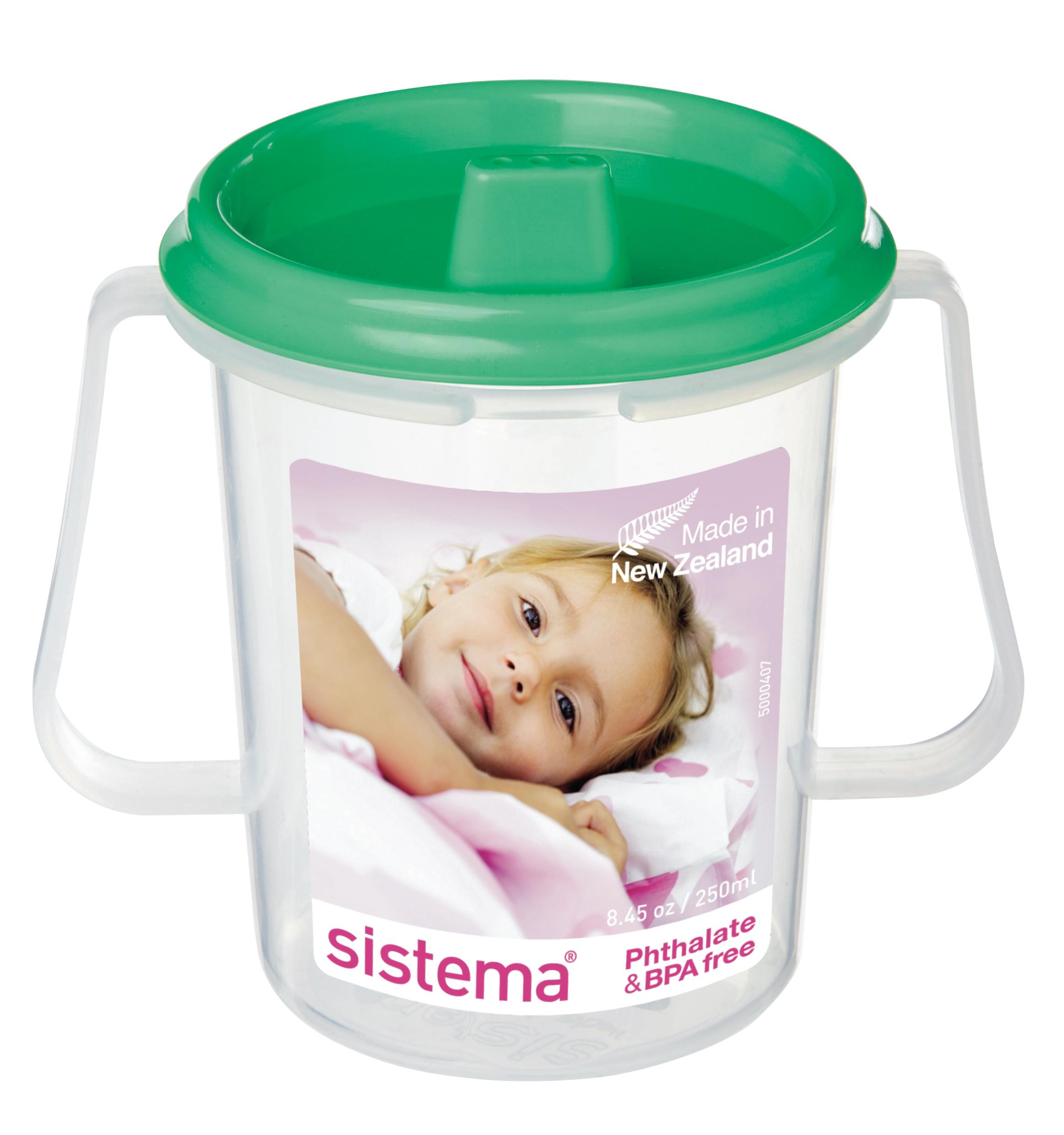 Чашка детская Sistema, с носиком, цвет: зеленый, 250 млFS-91909Детская чашка-непроливайка с носиком Dinkee Trainer оснащена клапаном, который предотвращает проливание, удобна для детских ручек. Поилка с крышкой-непроливайкой в дополнение к эргономичной форме и яркой расцветке делают данную чашку незаменимой в дороге, на прогулке, дома или на даче. Благодаря простоте и комфорту в использовании, качественным материалам и стильному дизайну, чашка с носиком так популярна. Можно мыть в посудомоечной машине.