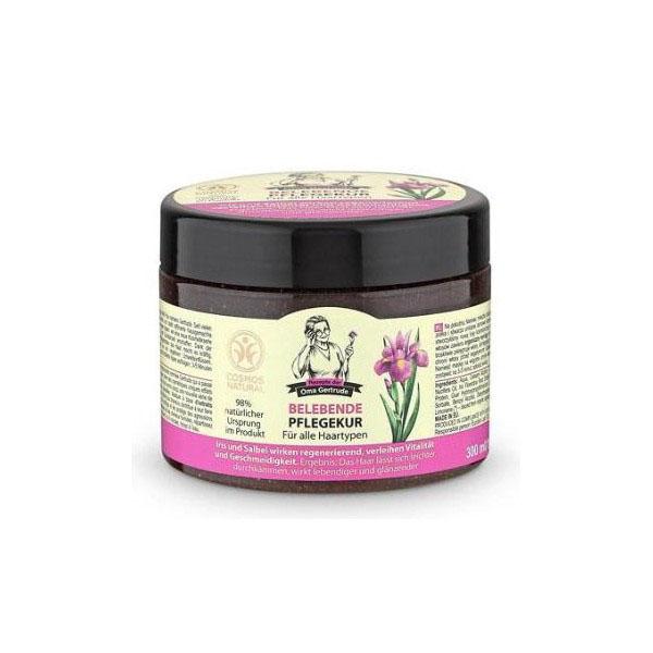 Рецепты бабушки Гертруды Маска для волос блеск и сила, 300 млFS-00897В состав маски входят природные компоненты, благодаря чему она бережно ухаживает за волосами, помогая вернуть им силу и блеск. Облегчает процесс расчесывания и защищает волосы от негативного воздействия. Органический экстракт ириса содержит витамины и жирные кислоты, которые интенсивно питают и способствуют укреплению волос. Органический экстракт шалфея содержит эфирные масла, дубильные вещества и фитоциды, он оказывает успокаивающее и антисептическое действия на кожу головы и корни волос, делая их более мягкими и блестящими. Особенности состава: 98% ингредиентов натурального происхожденияРезультат: волосы легче расчесываются, становятся более упругими и блестящими.