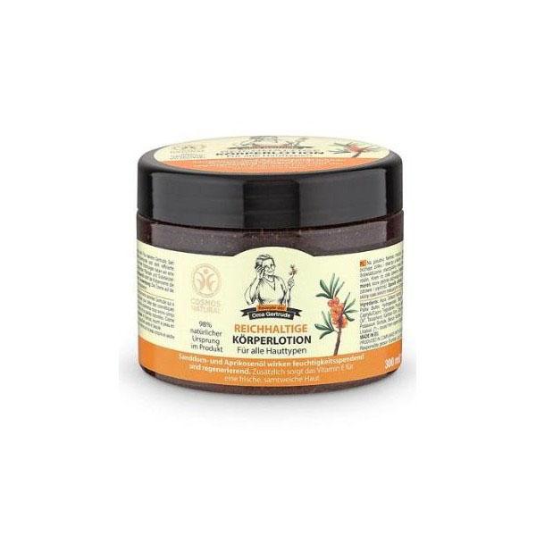 Рецепты бабушки Гертруды Крем для тела восстановление и питание, 300 мл0530025В состав крема для тела входят природные компоненты, которые глубоко питают кожу, делая ее более гладкой и нежной. Органическое масло абрикоса содержит витамины А, Е, благодаря чему оно насыщает кожу влагой и питательными веществами, повышает упругость и эластичность. Органическое масло облепихи - неиссякаемый источник витаминов, незаменимых аминокислот, а также жирных кислот омега 3,6,9 и редкой омега 7, оно обладает мощным восстанавливающим и витаминизирующим действием, дарит коже здоровье и красоту. Особенности состава: 98% ингредиентов натурального происхожденияРезультат: Облепиха иабрикос улучшают состояние кожи, оказывая смягчающее и восстанавливающее действия. Благодаря наличию витамина Е, насыщают кожу влагой и кислородом, делая ее бархатной и упругой.